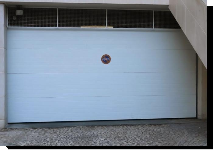 Portões seccionados industriais e residenciais em Palmela