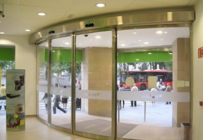 Portas Automáticas de Vidro Curvas