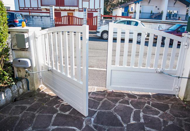 Reparação de portas, portões e grades