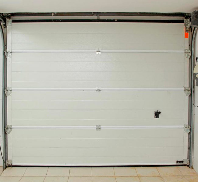 Portões de garagem em pvc e alumínio